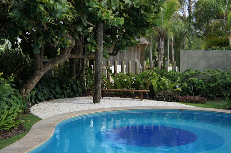 Jardim Residencial – Busca Vida – BA Jardins tropicais por Proflora Tropical