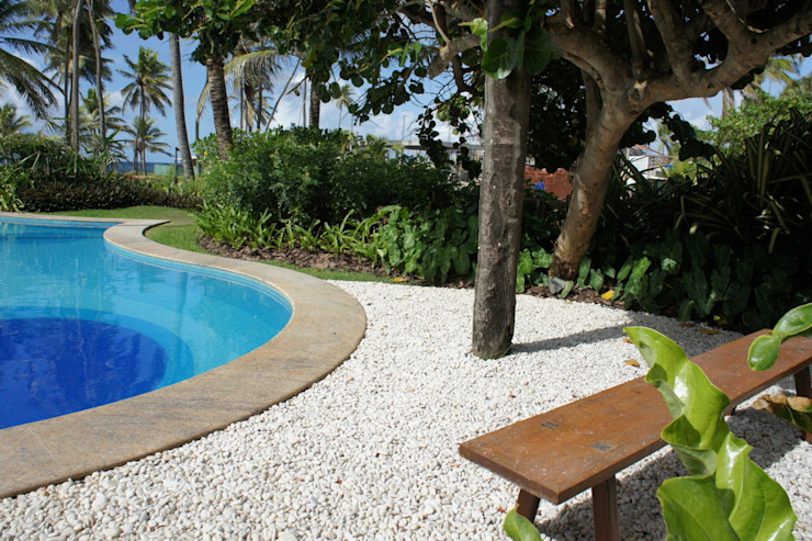 Jardim Residencial - Busca Vida - BA Jardins tropicais por Proflora Tropical