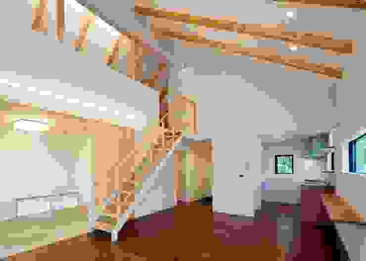 Unico design一級建築士事務所 ห้องนั่งเล่น ไม้