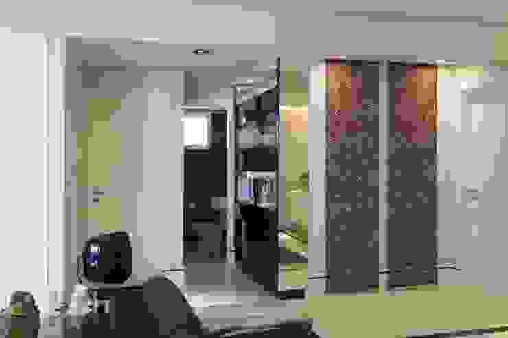 APTO. 230m² - projeto PRETO, BRANCO E PRÁTICO - LIVING Adriana Scartaris: Design e Interiores em São Paulo Salas de estar modernas
