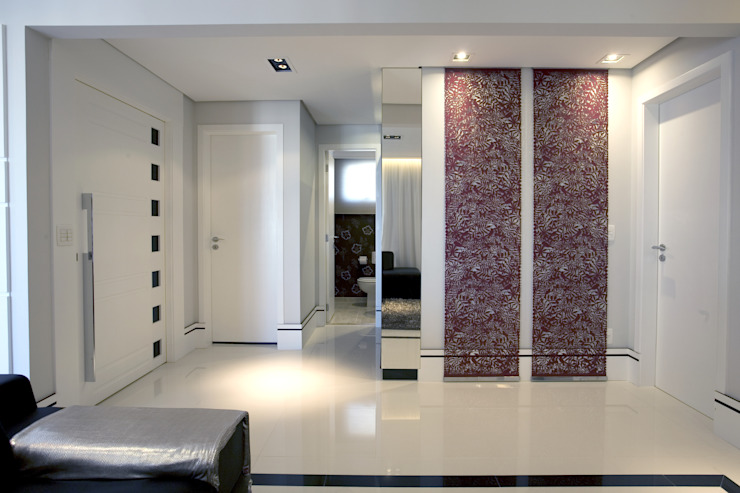 APTO. 230m² - projeto PRETO, BRANCO E PRÁTICO - LIVING Adriana Scartaris: Design e Interiores em São Paulo Corredores, halls e escadas modernos