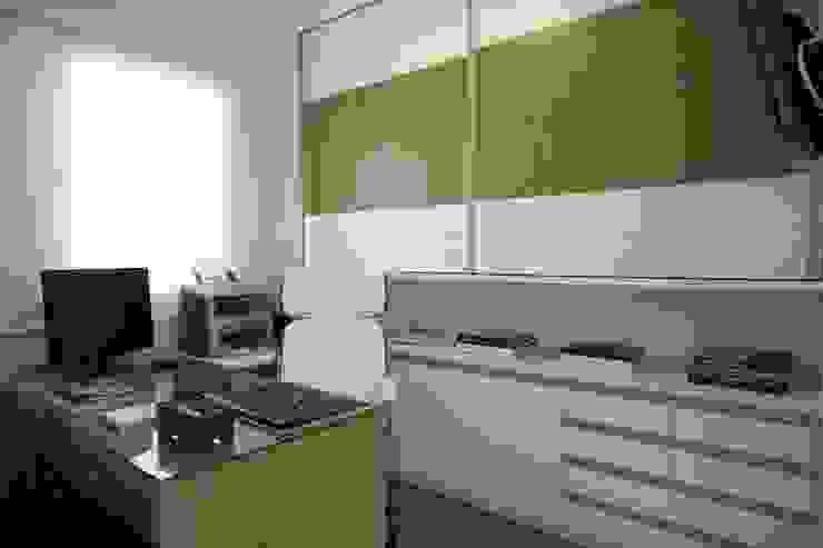 Modern style study/office by Adriana Scartaris: Design e Interiores em São Paulo Modern