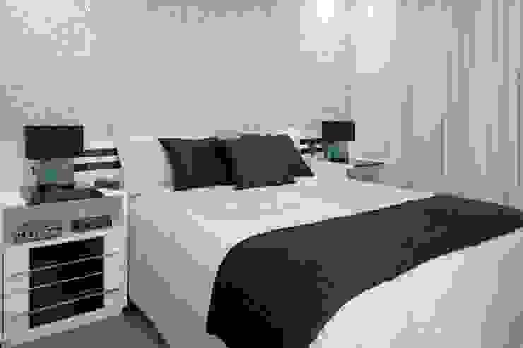 Modern style bedroom by Adriana Scartaris: Design e Interiores em São Paulo Modern