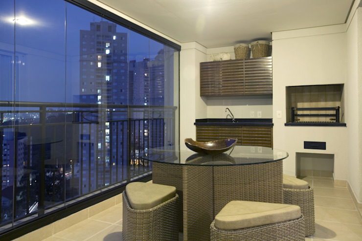 Modern style balcony, porch & terrace by Adriana Scartaris: Design e Interiores em São Paulo Modern