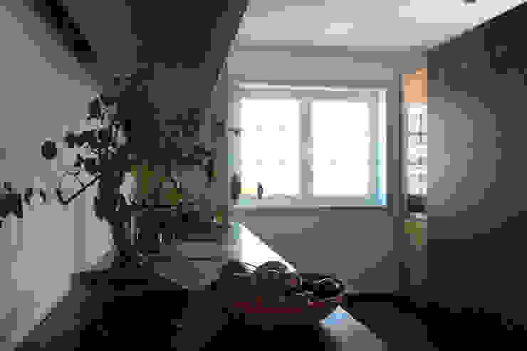 azul Cozinhas minimalistas por crónicas do habitar Minimalista