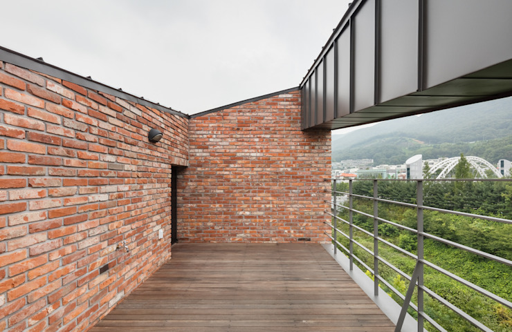 Casas modernas de aandd architecture and design lab. Moderno
