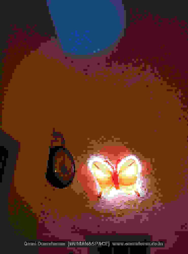 유럽형 화이트 펜션을 옮겨 놓은 듯한 감각있는 멋진 외관의 돔하우스! 지중해스타일 온실 by 휴먼앤스페이스 지중해
