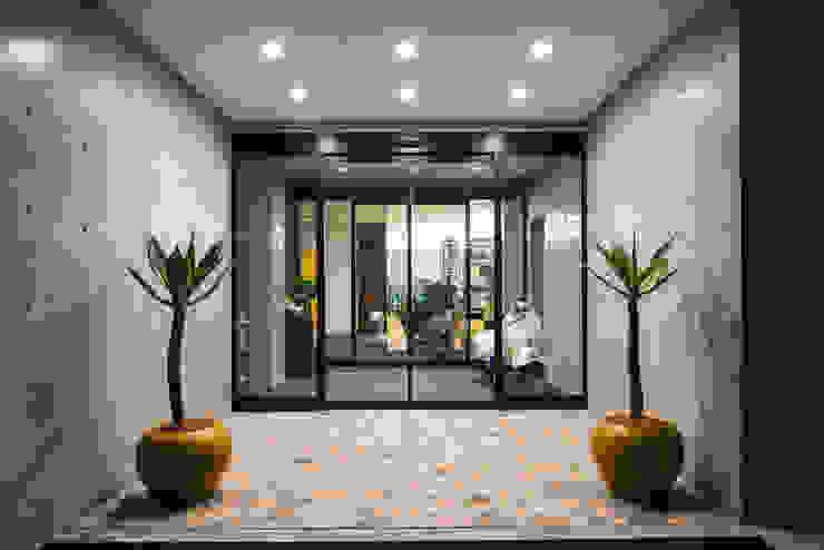 株式会社深田建築デザイン研究所 Modern office buildings