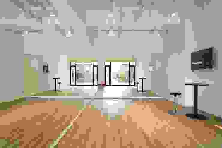 株式会社深田建築デザイン研究所 Commercial Spaces
