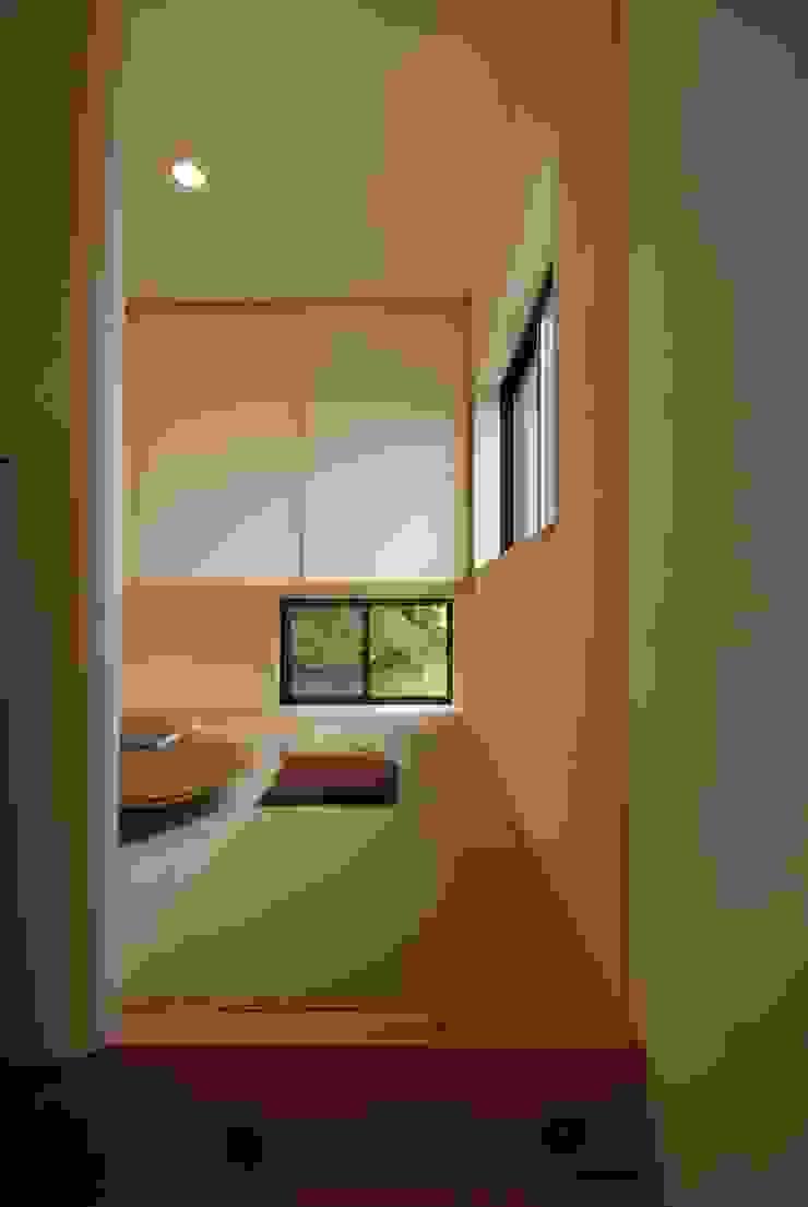 和室 オリジナルデザインの 書斎 の 株式会社TERRAデザイン オリジナル 木 木目調