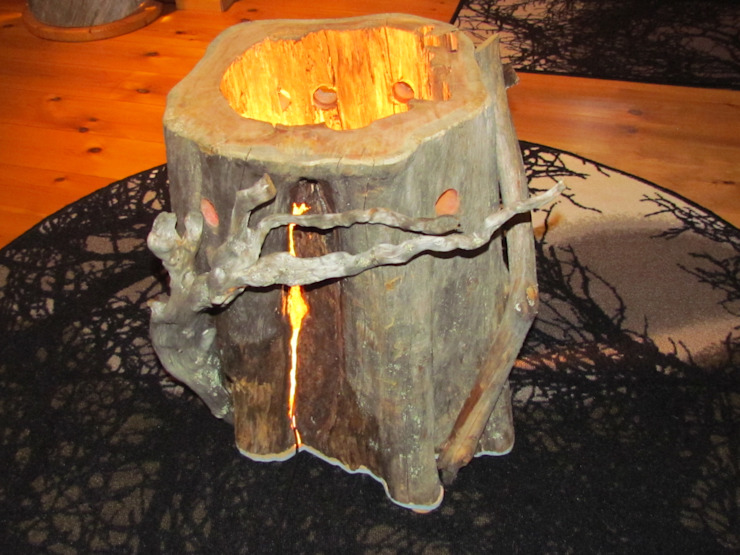 Tree trunk lamp from Lapland - Kelo wood homify ร้านอาหาร ไม้ Wood effect