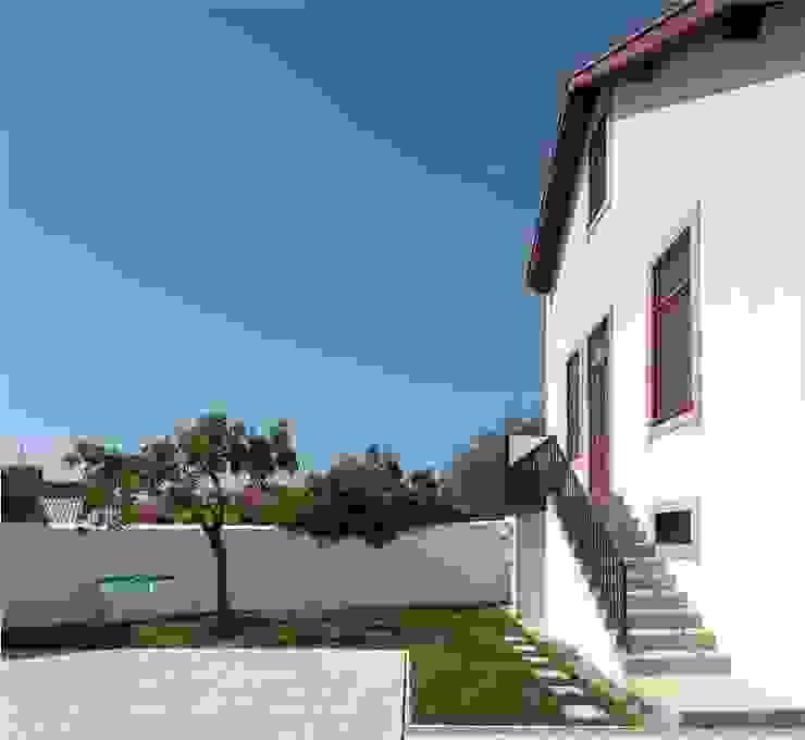 Recuperação de casa em Ovar Casas modernas por Nelson Resende, Arquitecto Moderno