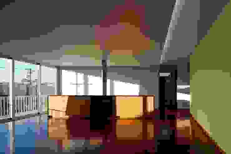 Livings de estilo moderno de Nelson Resende, Arquitecto Moderno