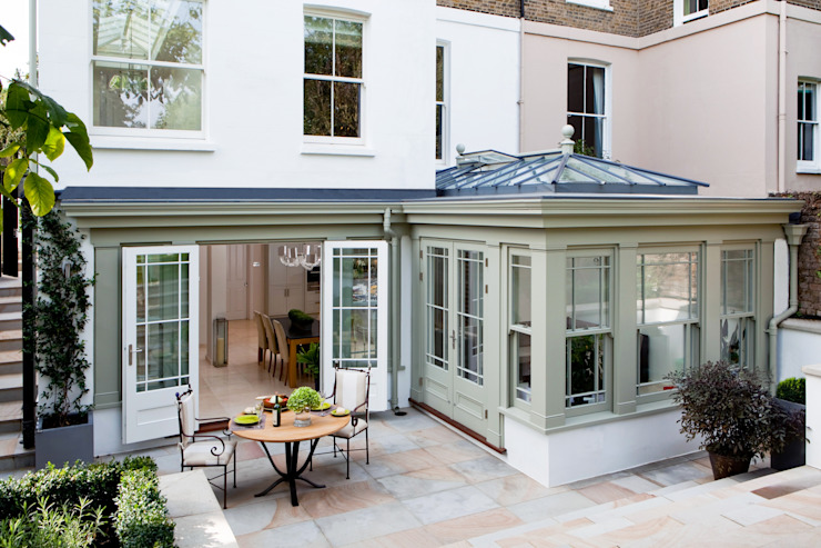 Basement Orangery on London townhouse Зимний сад в стиле модерн от Westbury Garden Rooms Модерн Дерево Эффект древесины