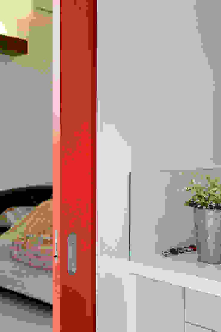 鉄板ハウス モダンな 窓&ドア の sngDESIGN モダン