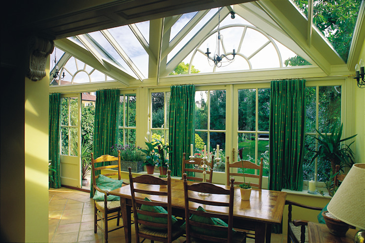 Internal view of traditional Conservatory. Classic style conservatory by Westbury Garden Rooms Classic Wood Wood effect