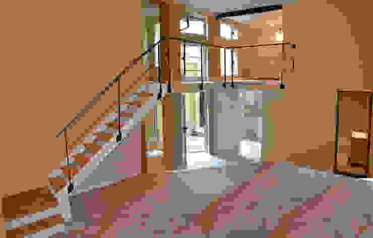by Area61 Arquitectura Мінімалістичний