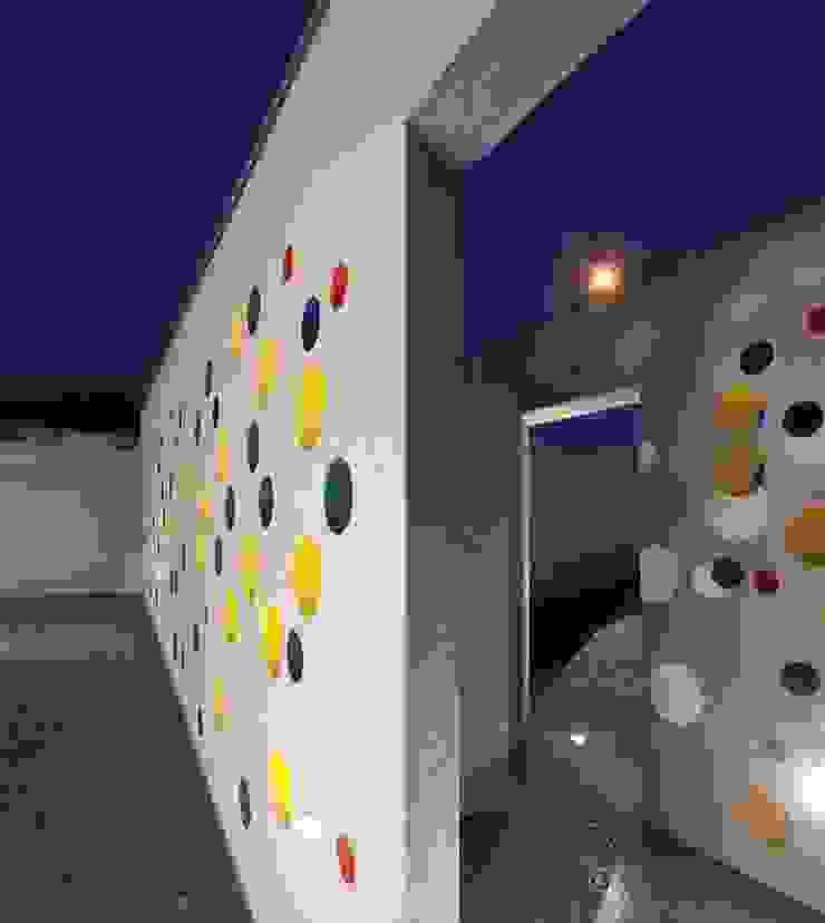 Casa em Souto Garagens e arrecadações modernas por Nelson Resende, Arquitecto Moderno