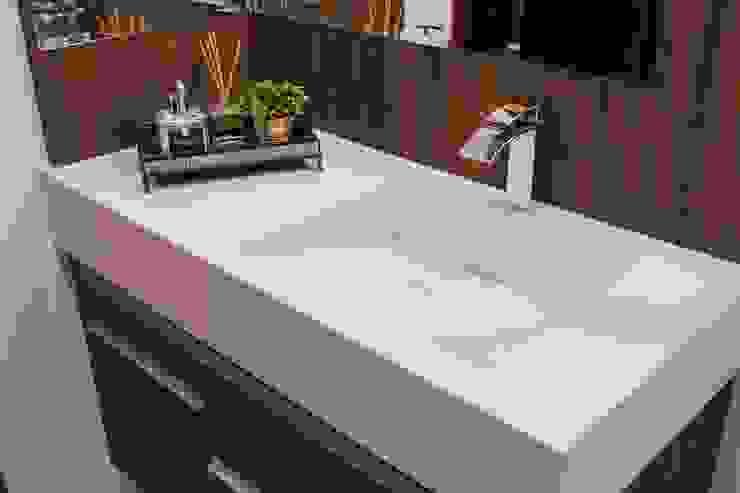 Projeto de arquitetura de interiores residencial. Banheiros modernos por Elaine de Bona Arquitetura e Interiores Moderno