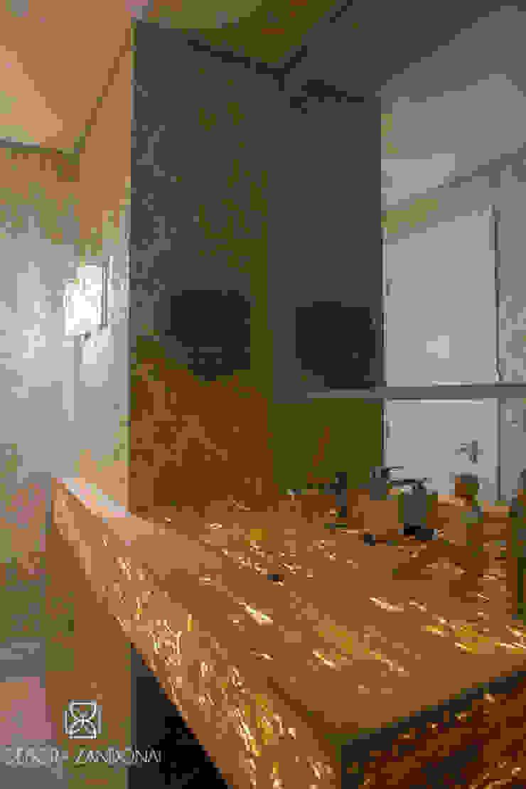 Lavabo Retroiluminado Banheiros modernos por Monique Pedruzzi Arquitetura + Interiores Moderno Mármore