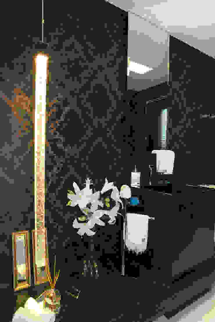 Lavabo Black Banheiros modernos por Monique Pedruzzi Arquitetura + Interiores Moderno Granito