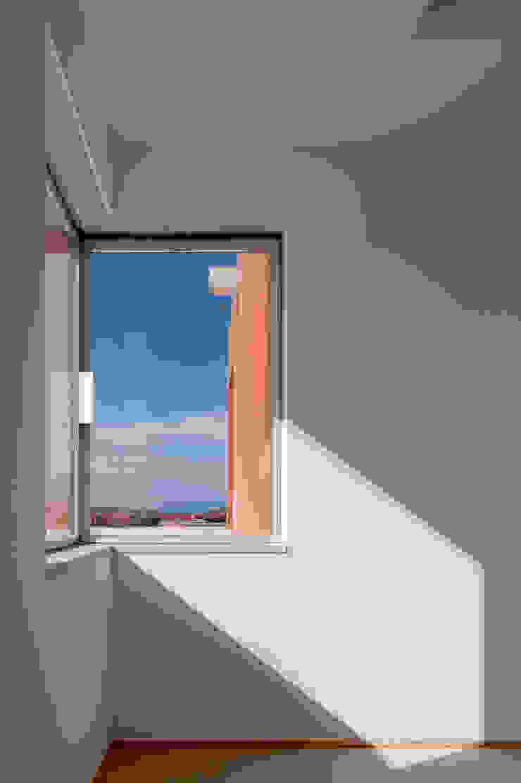 O House – Bom Sucesso, Design Resort, Leisure & Golf, Óbidos Janelas e portas mediterrânicas por Atelier dos Remédios Mediterrânico