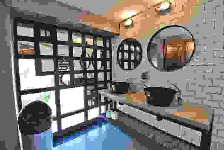 Trua arqruitectura Modern bathroom