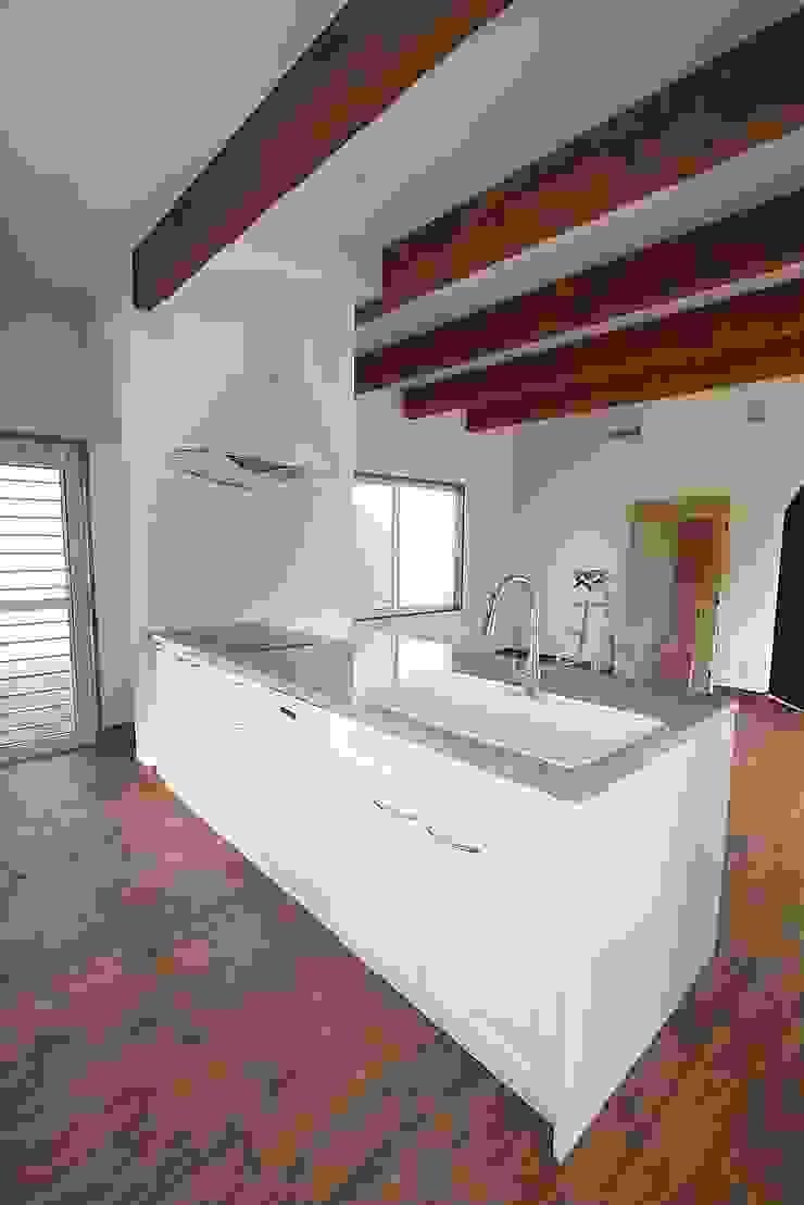 株式会社コリーナ Eclectic style kitchen White