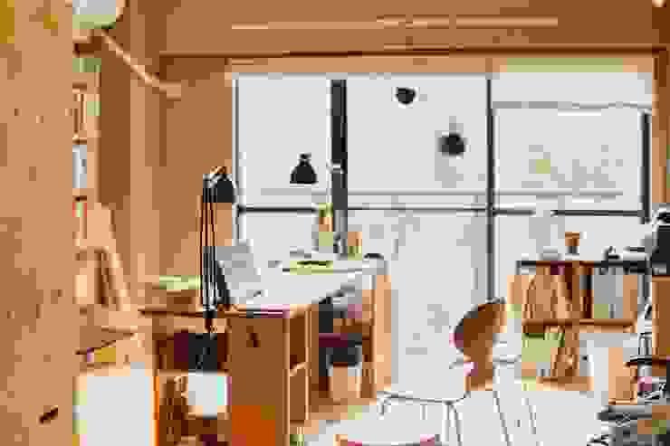 間取りが自由に動かせるマンションリノベーションmaru(マル)シリーズ第1号 ミニマルデザインの 書斎 の すまい研究室 一級建築士事務所 ミニマル