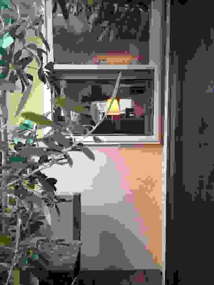 バルコニーその2 株式会社TERRAデザイン カントリーデザインの テラス 木 ブラウン