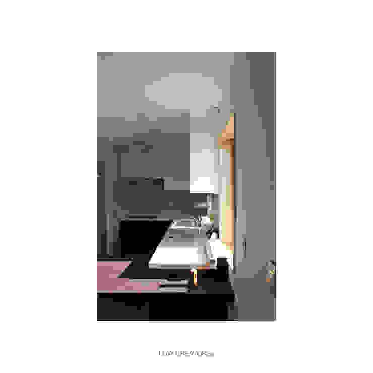 Cocinas modernas: Ideas, imágenes y decoración de LOW CREATORs Moderno