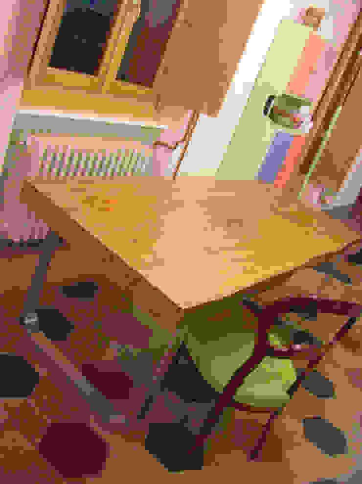 Di Origine Progettuale DOParchitetti KücheTische und Sitzmöbel Mehrfarbig