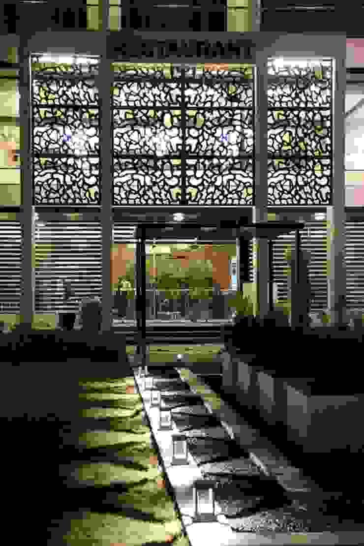 Hotel The Grand Daksh Modern corridor, hallway & stairs by RUST the design studio Modern
