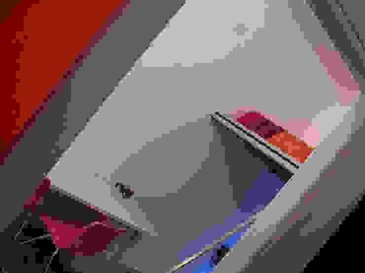 Di Origine Progettuale DOParchitetti Moderne Schlafzimmer Mehrfarbig