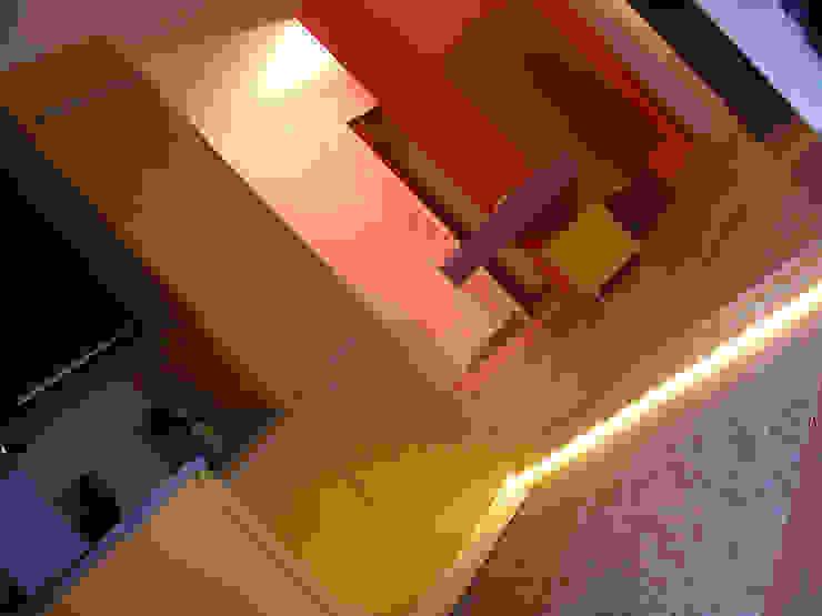 Di Origine Progettuale DOParchitetti Moderne Küchen Mehrfarbig