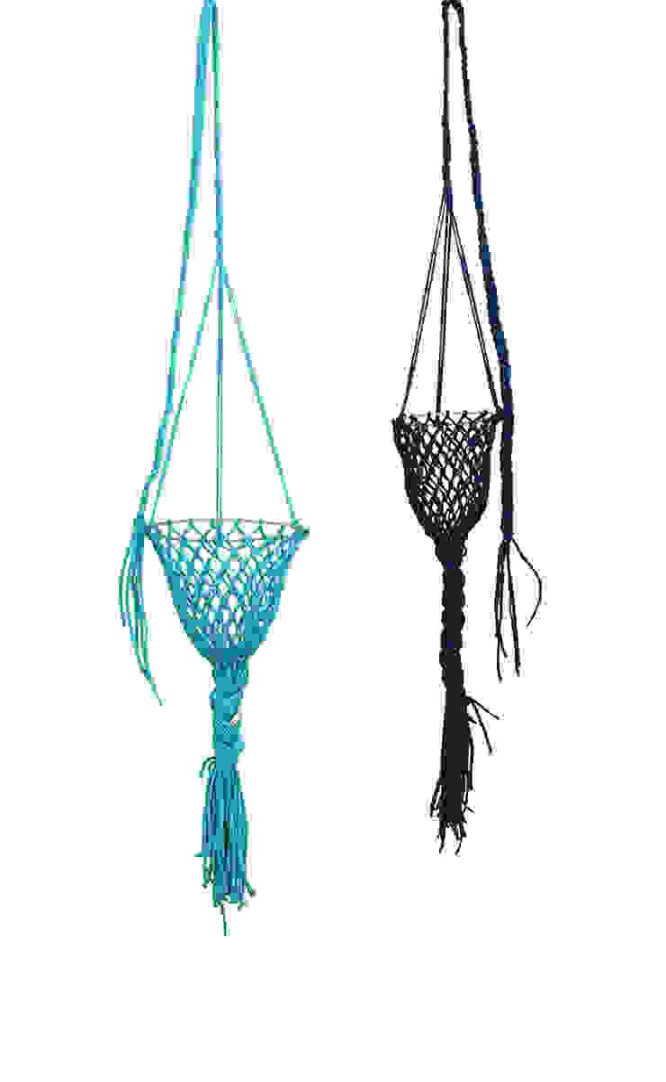 Darono | IN | OUT | Trap Hanging Planter por Darono Moderno