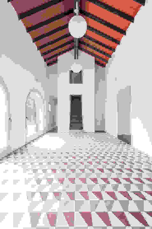 Borgo Merlassino von Mosaic del Sur | homify