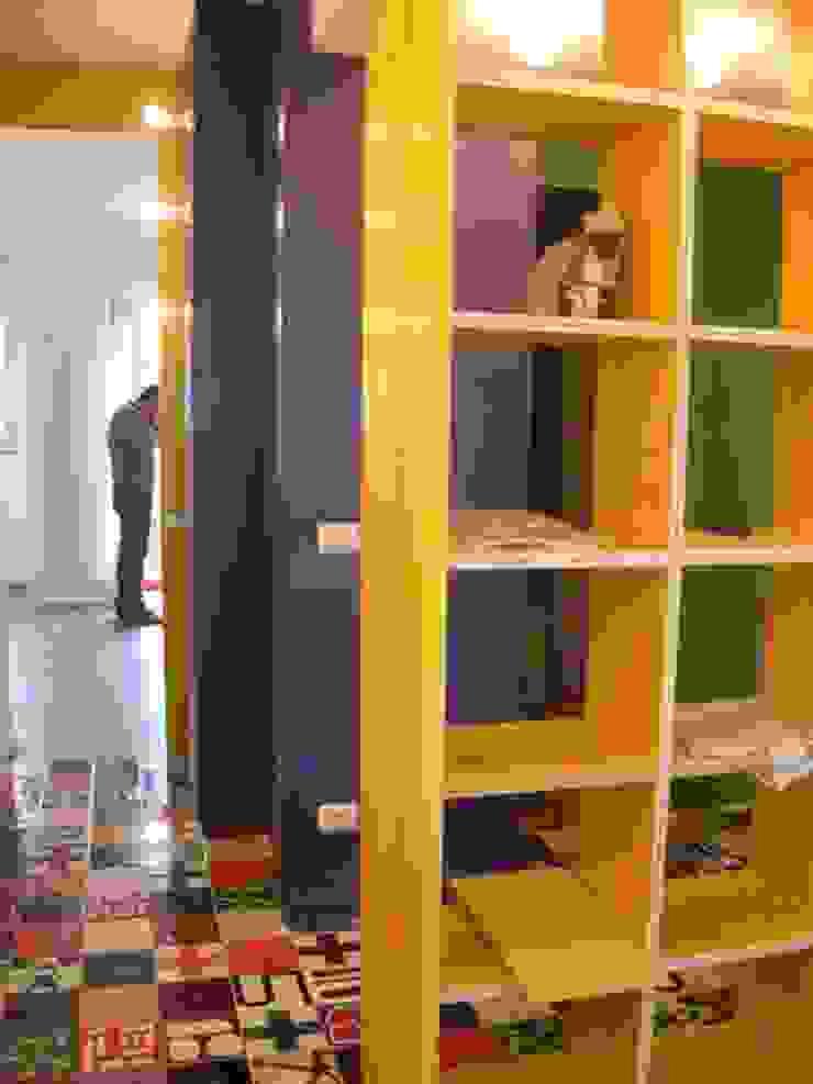 Salones modernos de Di Origine Progettuale DOParchitetti Moderno