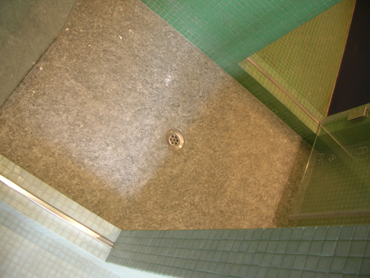 Baños modernos de Di Origine Progettuale DOParchitetti Moderno
