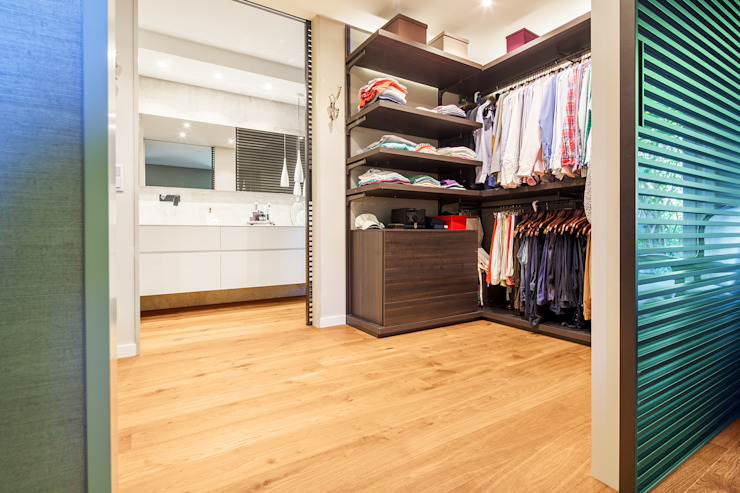 Modern dressing room by Tarimas de Autor Modern Wood Wood effect