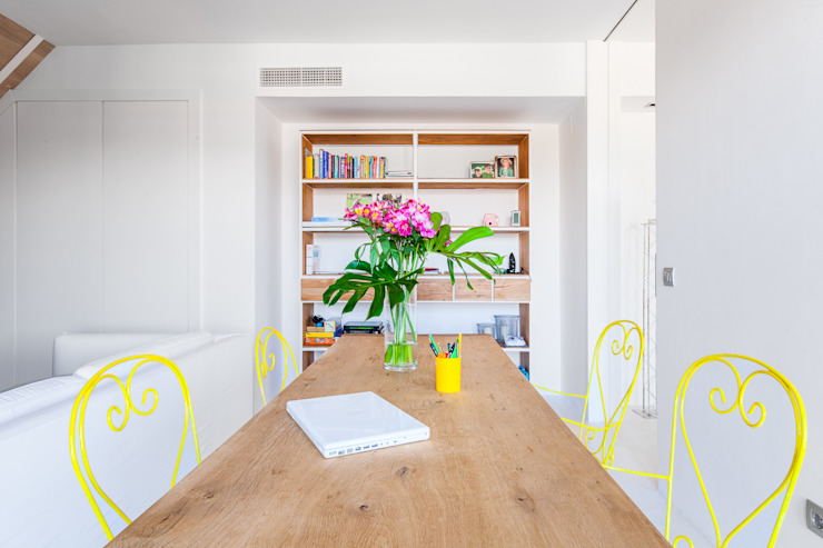 Столовая комната в стиле минимализм от Tarimas de Autor Минимализм Дерево Эффект древесины