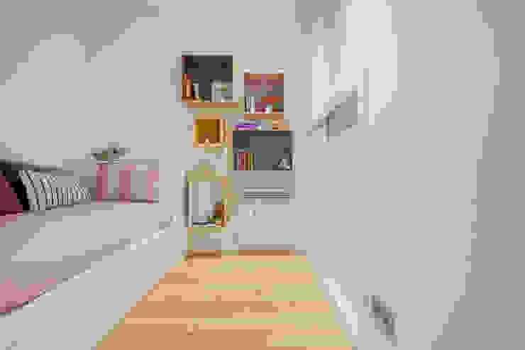 CHALET MAJADAHONDA Camera da letto minimalista di Tarimas de Autor Minimalista Legno Effetto legno