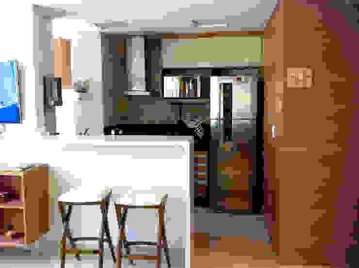 Cozinha americana Cozinhas ecléticas por Jaqueline Vale Arquitetura Eclético