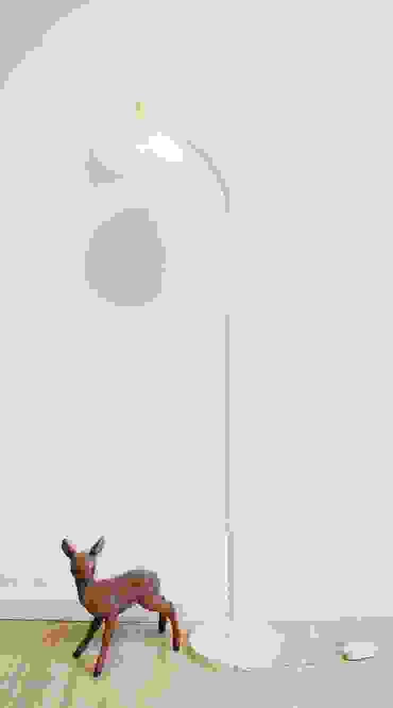 minimalist  by Flat sheep, Minimalist