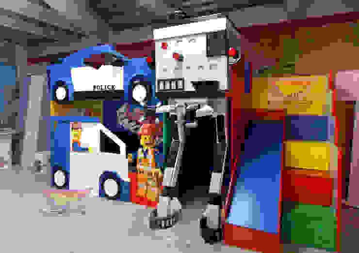 IMPRESIONANTE LITERA TIPO LEGO MOVIE Dormitorios infantiles modernos de Kids Wolrd- Recamaras Literas y Muebles para niños Moderno Compuestos de madera y plástico