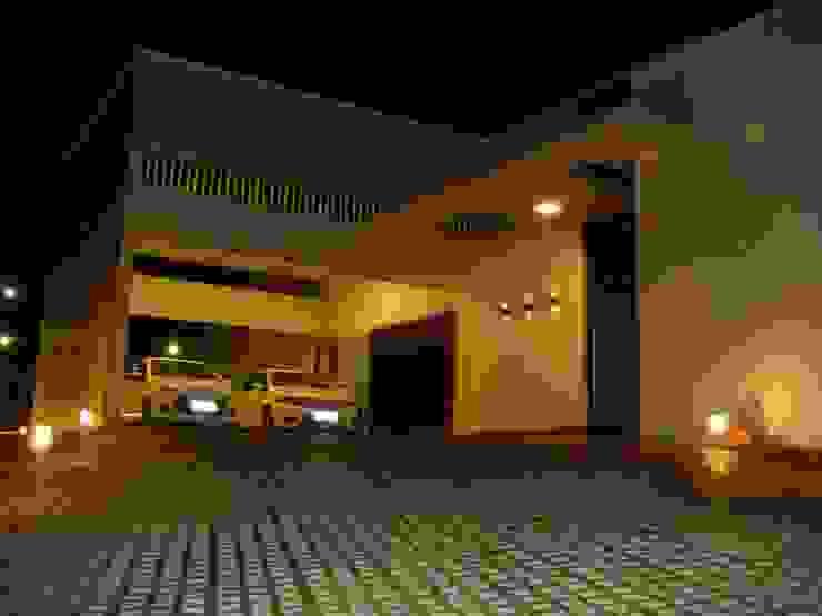 Rumah Modern Oleh JERAU Projetos Sustentáveis Modern