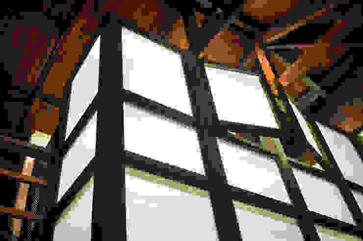 Refurbishment in Teusuillo, Bogotá Moderne Fenster & Türen von SDHR Arquitectura Modern Eisen/Stahl