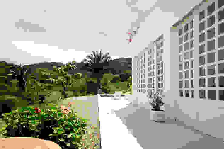 Casas modernas por SDHR Arquitectura Moderno Contraplacado