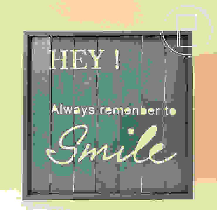 HEY - smile por Blue Art Factory Moderno Madeira Acabamento em madeira