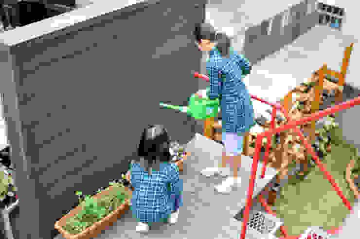 外(そと)階段の踊り場 の (株)独楽蔵 KOMAGURA